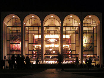 350px-Metropolitan_Opera_House_At_Lincoln_Center_2